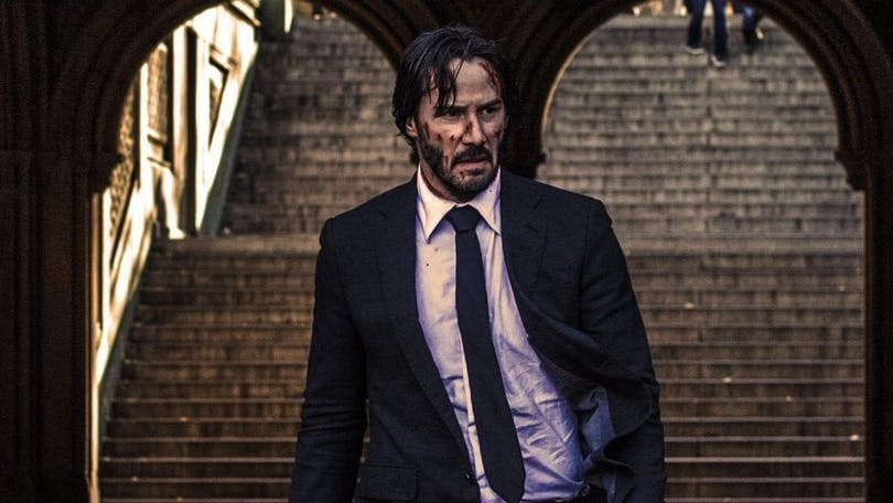 En bild på Keanu Reeves som en skadad John Wick i filmen John Wick: Chapter 3 - Parabellum.