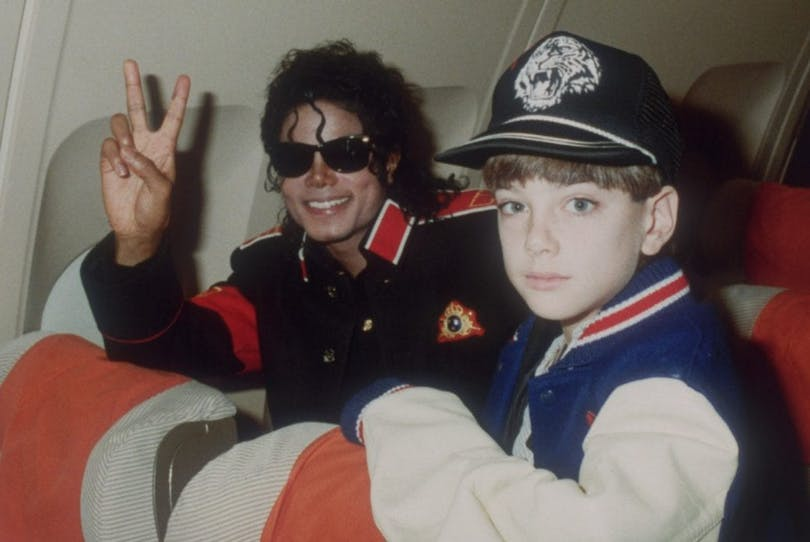 "Michael Jackson och James Safechuck i ""Leaving Neverland""."