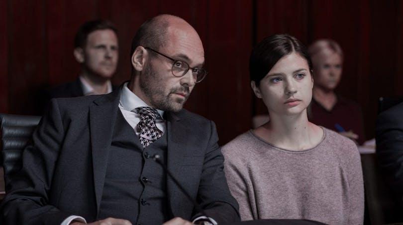 """David Dencik och Hanna Ardéhn i """"Quicksand""""."""