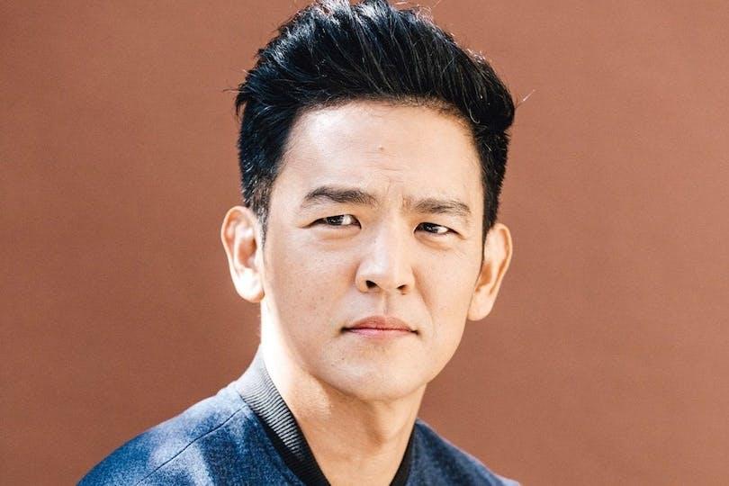 En bild av John Cho
