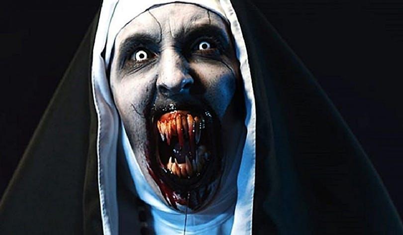 En bild på den läskiga nunnan i The Nun