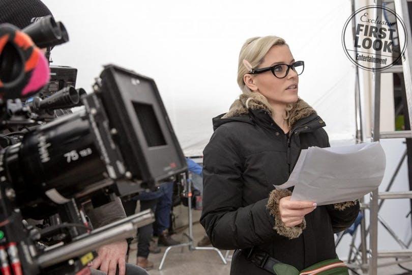 På bilden ser vi regissören Elizabeth Banks