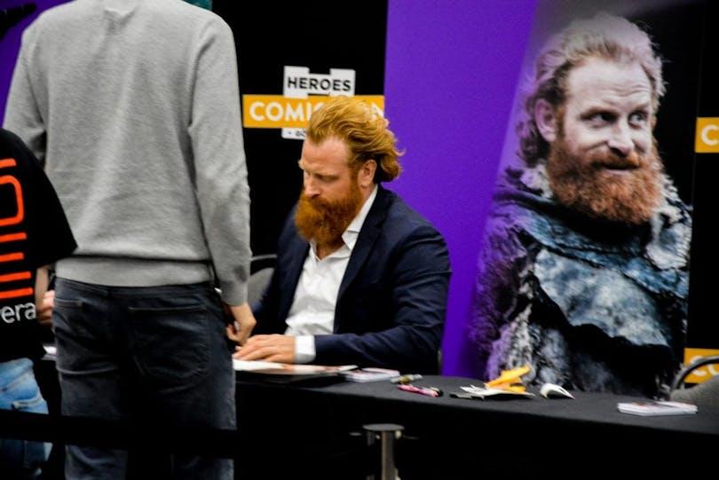 Kristofer Hivju möter fansen på Comic Con i Göteborg.