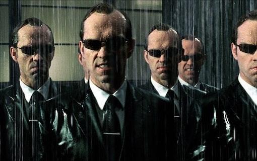 Matrix-stjärnan gör intressant thriller