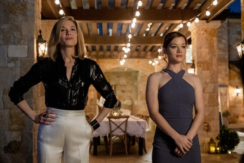 """Renée Zellweger och Jane Levy i """"What/If""""."""