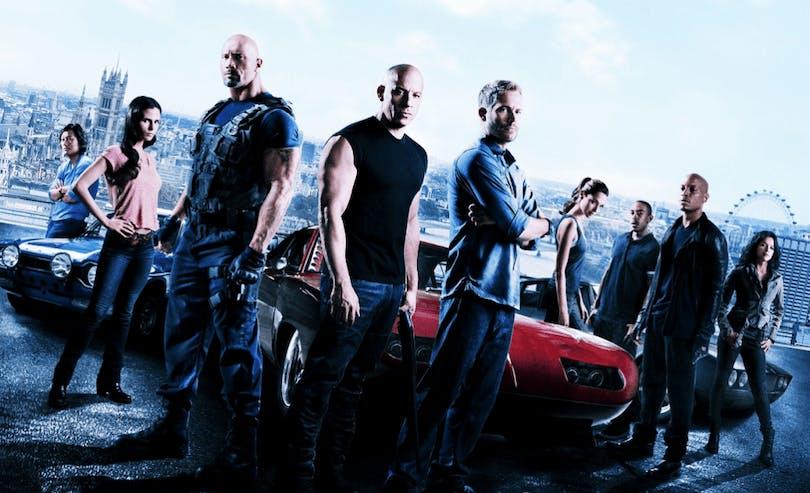 Publicitetsbild på karaktärerna i Fast & Furious