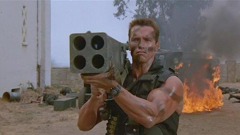 Arnold med raketkastare