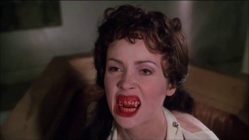 Lucy i Dracula död men lycklig.