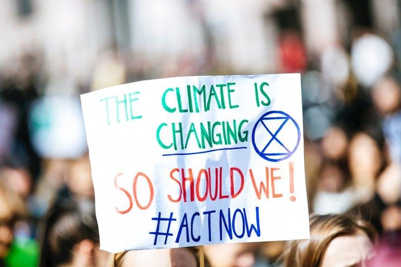 En klimatdemonstration inspirerad av Greta Thunberg.