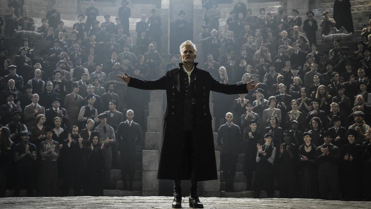 EXKLUSIVT: Eddie Redmayne om Newt, påstridiga fans och Johnny Depp