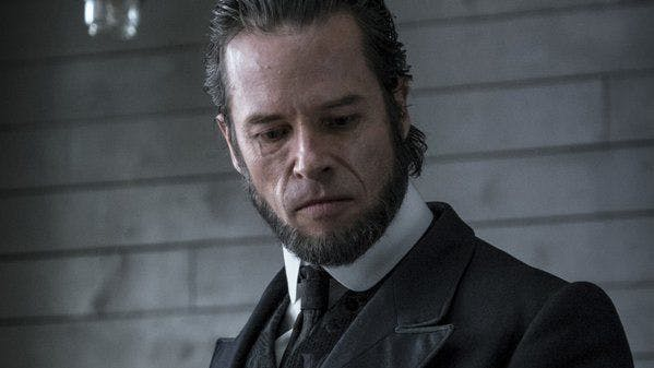 "Guy Pearce i ""Brimstone""."