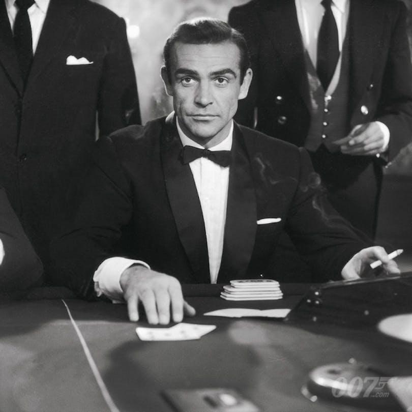 Sean Connery i Agent 007 med rätt att döda (1962).