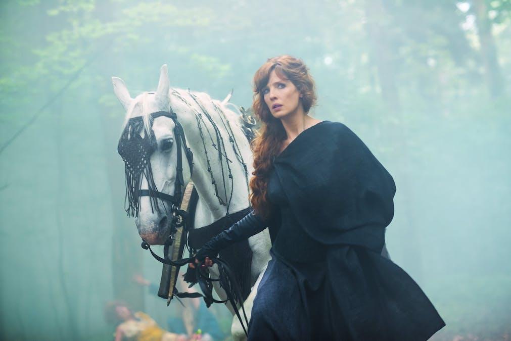 Britannia säsong 1: spännande och komisk – men för flummig mystik