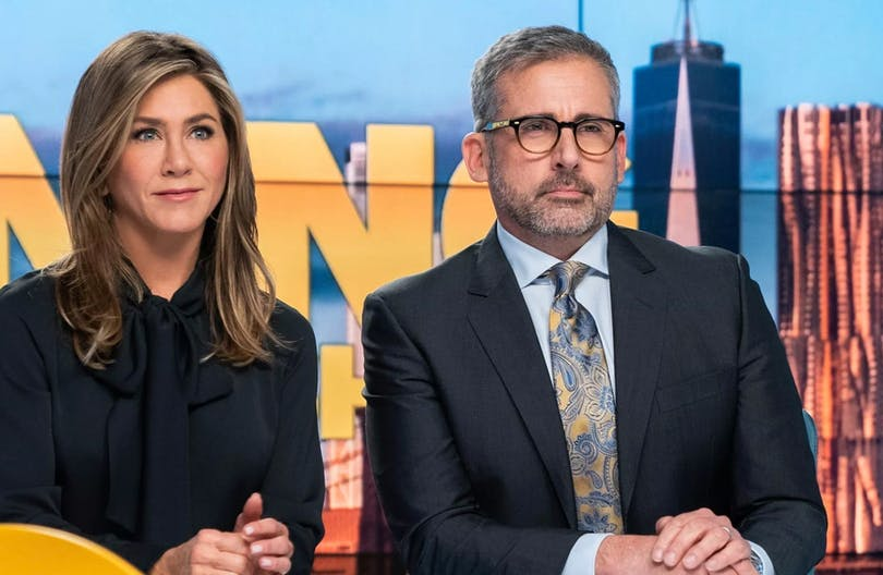 "Bild på Jennifer Aniston och Steve Carrell i ""The Morning Show""."