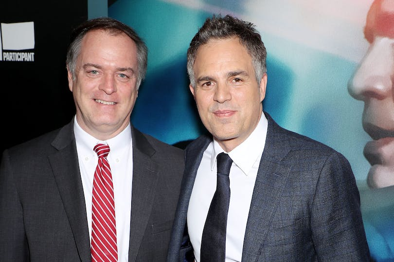 Mark Ruffalo och Rob Bilott, mannen han spelar i Dark Waters. Foto: Hollywood Outbreak.