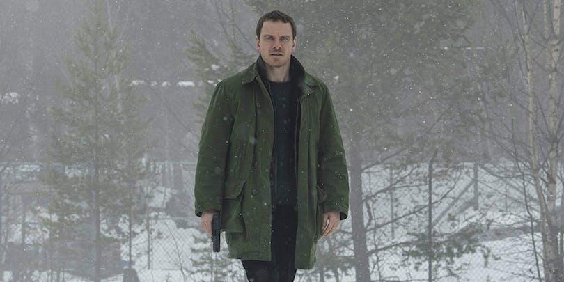 Michael Fassbender i Snömannen.