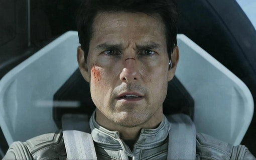 Han gör Tom Cruise omtalade rymdfilm