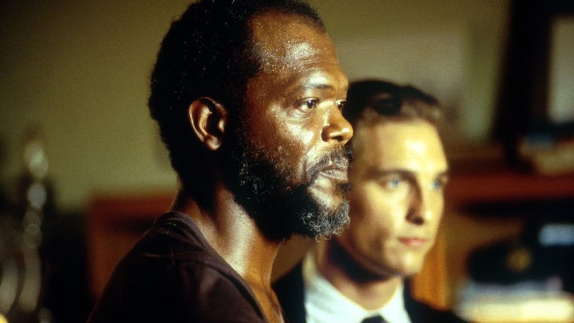 Samuel L. Jackson och Matthew McConaughey i Juryn - A Time to Kill. Foto: Warner Bros.