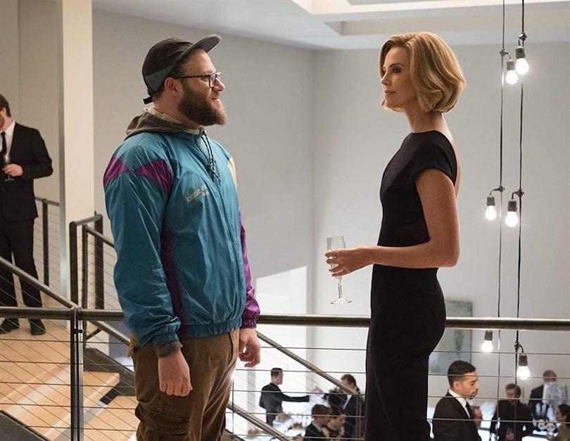 """Seth Rogen och Charlize Theron i """"Long Shot"""". En av de bästa filmerna på Viaplay."""