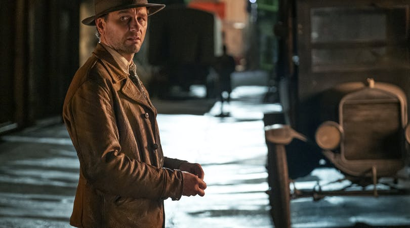 Matthew Rhys i Perry Mason på HBO.