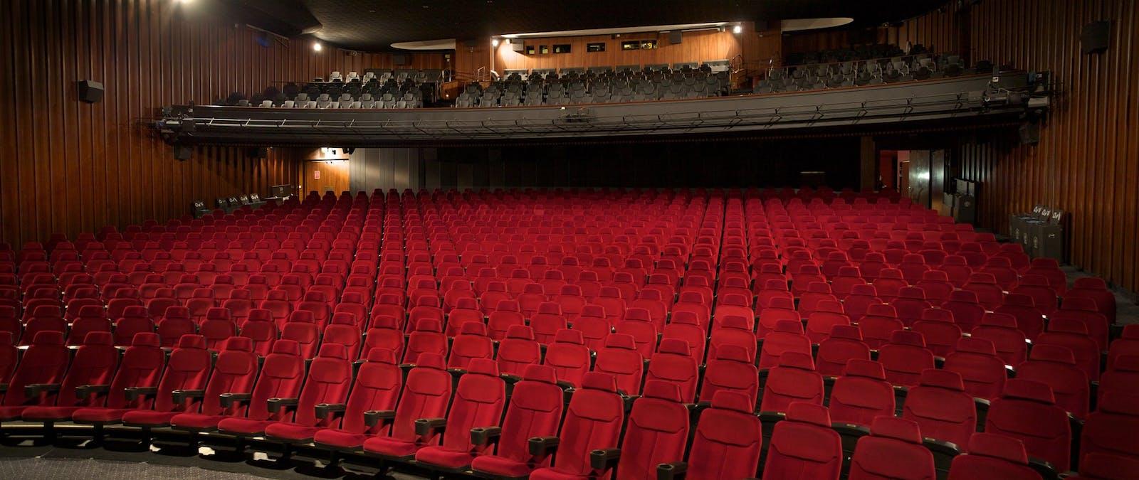 Kinesiska biografer öppnar på nytt