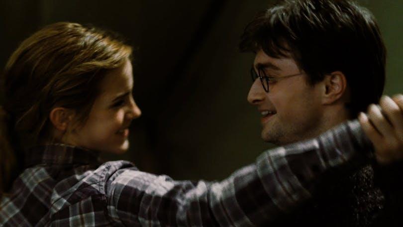 Emma Watson och Daniel Radcliffe i Harry Potter och Dödsrelikerna De I.