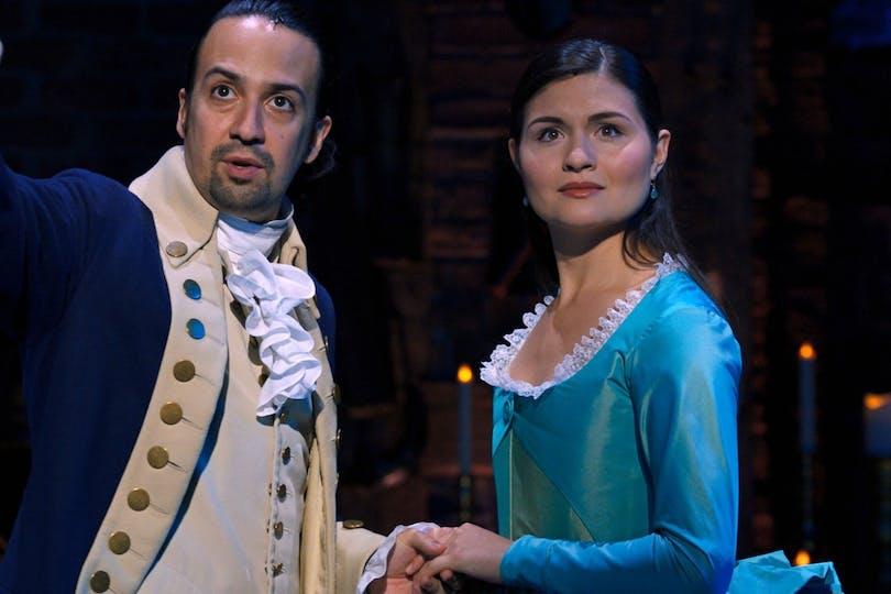 """Stillbild ur """"Hamilton"""" på Disney plus."""