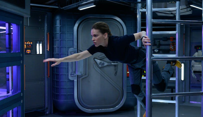 "Hilary Swank i ""Away""."