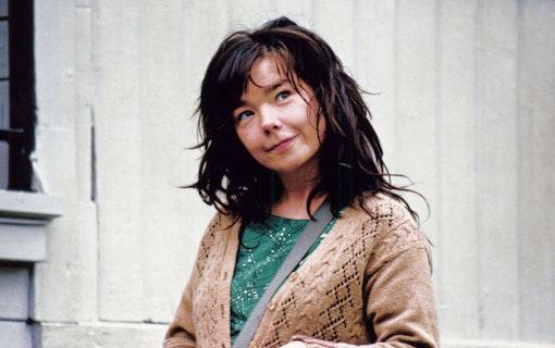 Björk i storfilm med bröderna Skarsgård