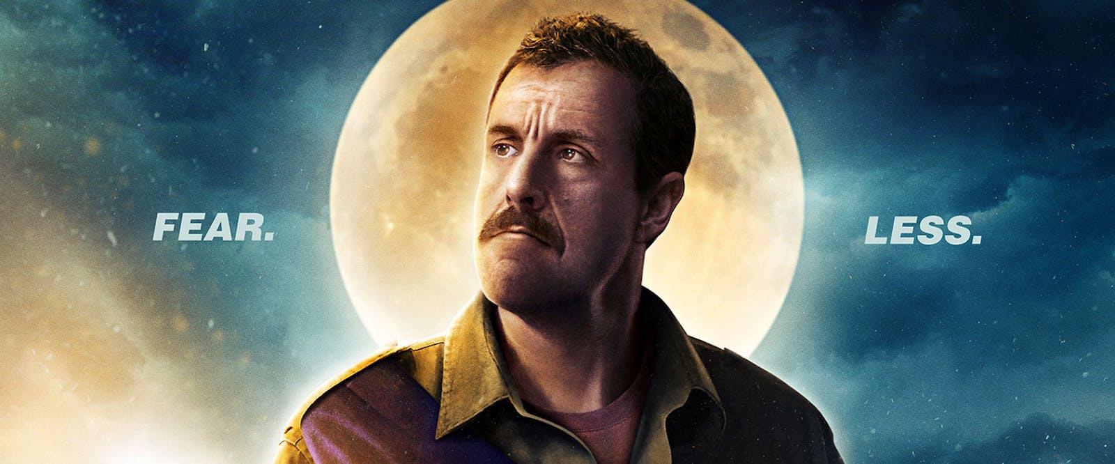 Bild på Adam Sandler som Hubie Dubios från Netflix-filmen Hubie Halloween.