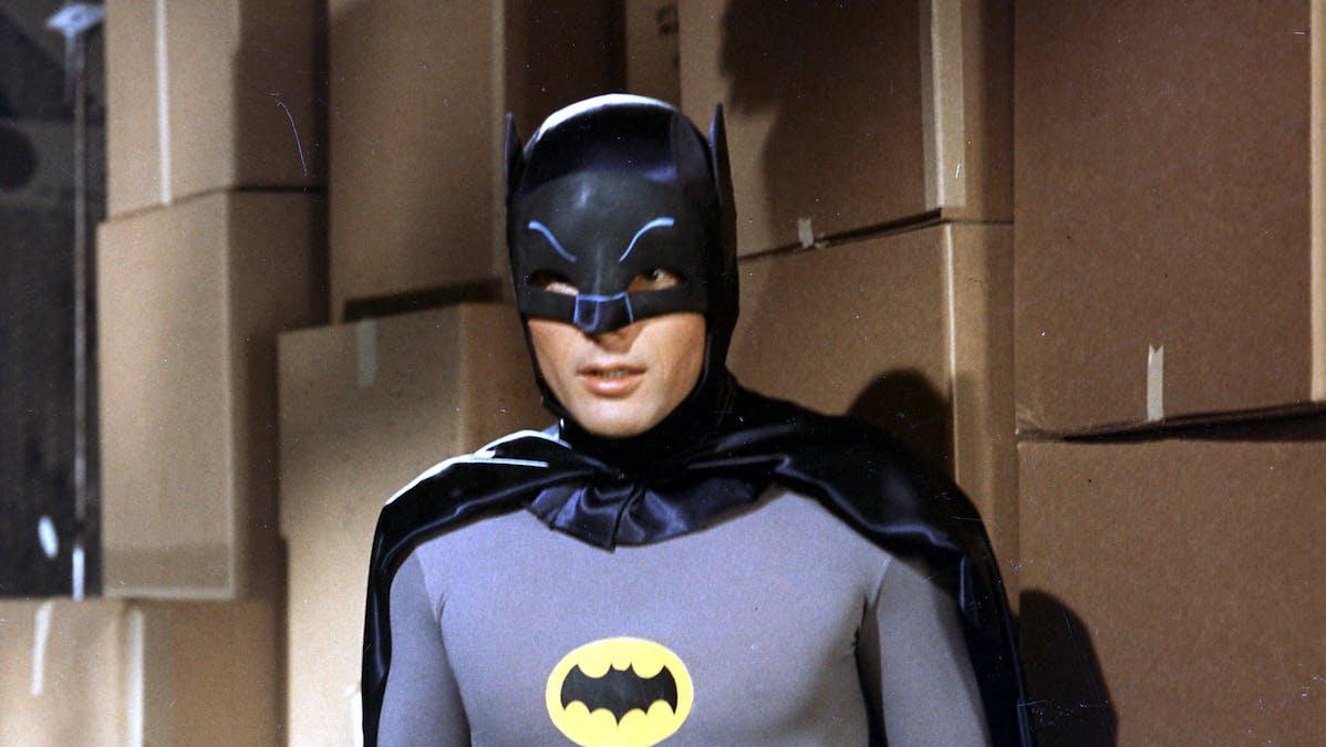 Adam West som Batman.