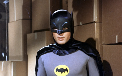 Adam West som Batman.