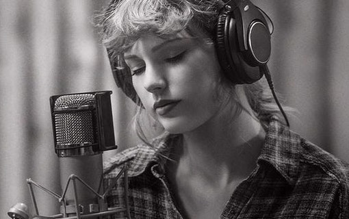 Taylor Swift Long Pond Sessions