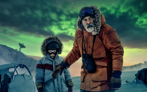 George Clooney och Caoilinn Springall i huvudrollerna.