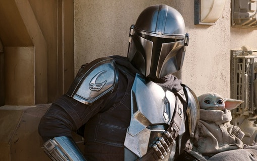The Mandalorian (Pedro Pascal) och The Child. Foto: Disney+