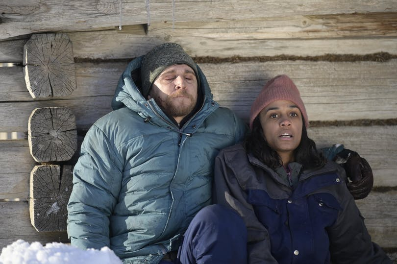 "Anastasios Soulis och Nanna Blondell i ""Red Dot"". Foto: Netflix."