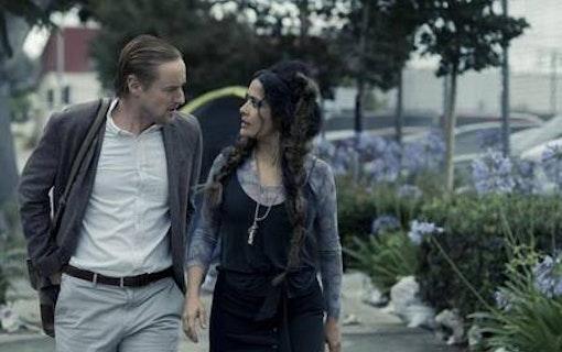 Owen Wilson och Salma Hayek i ''Bliss'' (2021). Foto: Amazon Prime