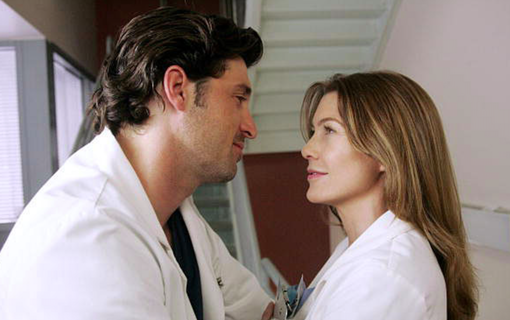 Derek Shepherd (Patrick Dempsey) och Meredith Grey (Ellen Pompeo) i Grey's Anatomy. Foto: Viaplay.