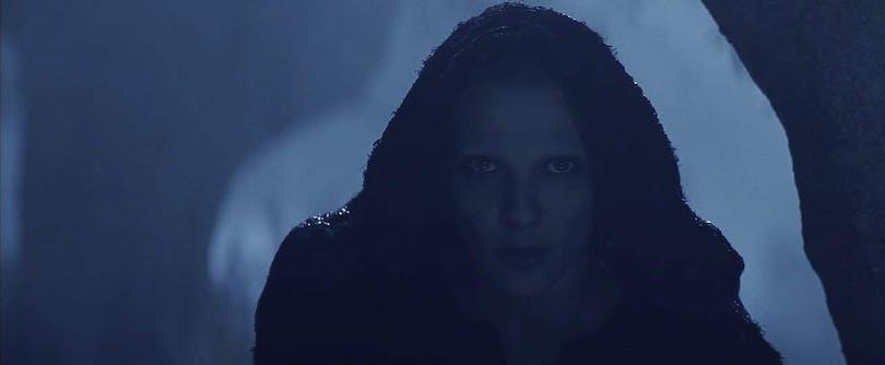 Rosalinda Celentano som djävul i kåpa