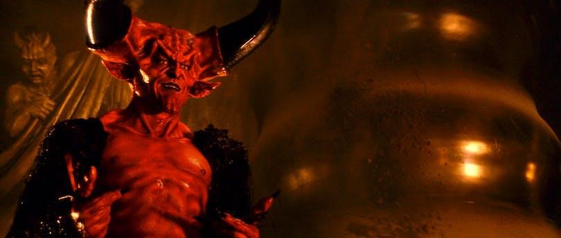 Tim Curry sminkad till Satan
