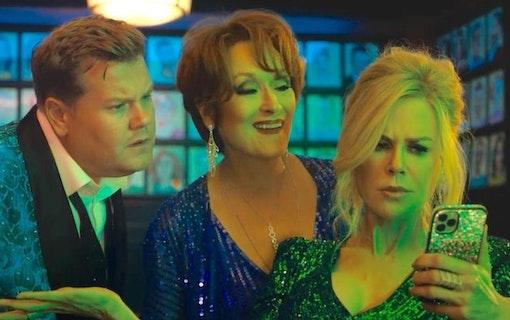 James Corden, Meryl Streep och Nicole Kidman i The Prom. Foto: Netflix.