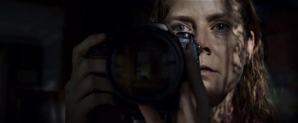 Kvinnan i fönstret (2021)