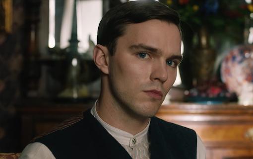 Nicolas Hoult huvudroll i ny Dracula-film