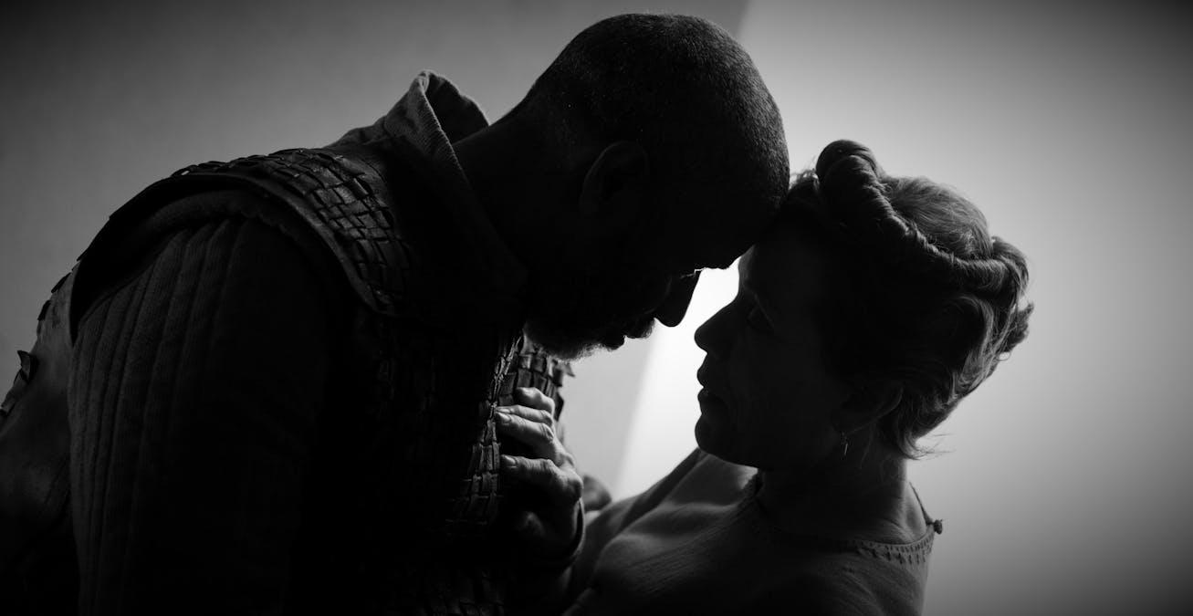 Se den officiella trailern till Coens Macbeth-film
