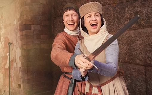 De ska vinna Petra Medes kärlek i Min historiska pojkvän
